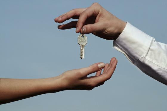 Jakou si zvolit hypotéku? Na volbě správného druhu hypotéky závisí jaké budete platit poplatky a úroky.