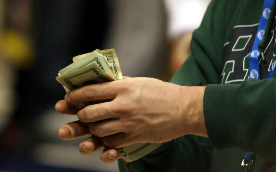 Okamžité půjčky a peníze ihned v hotovosti