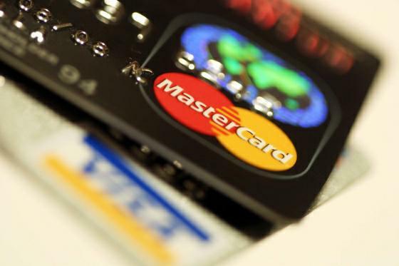 Porovnání kreditní karty: Vyplatí se nebankovní kreditní karta nebo ne?