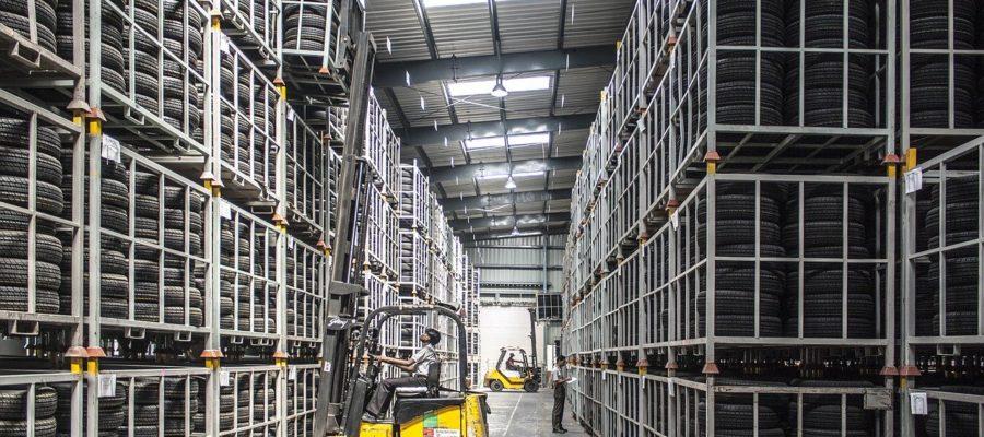Forklift Warehouse Machine Worker  - pashminu / Pixabay